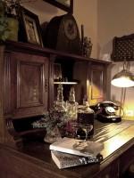 Γραφείο στο ισόγειο τού ξενώνα Πορφυρόν στα Άνω Πεδινά