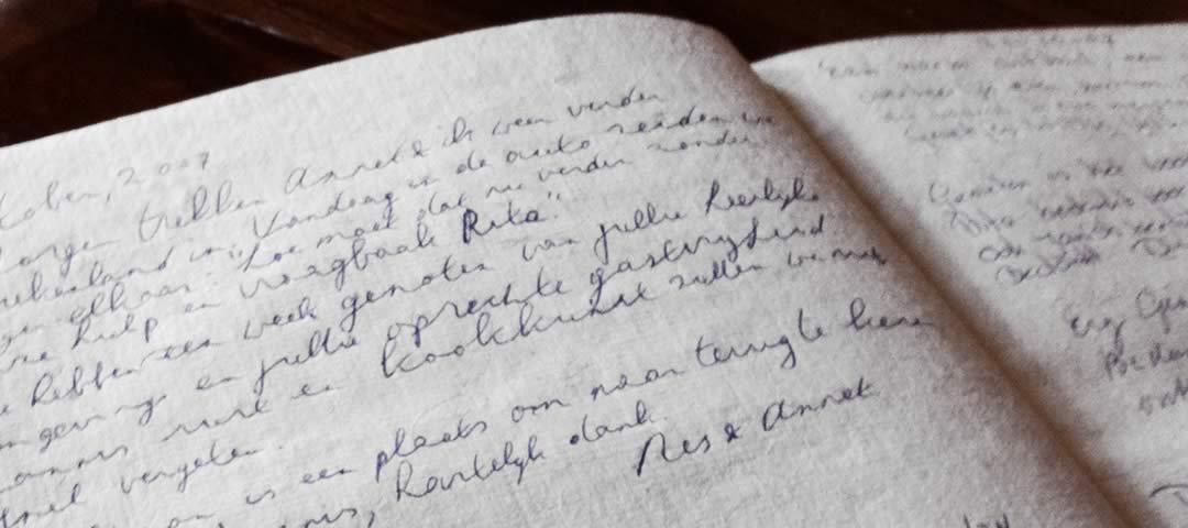 Βιβλίο επισκεπτών ξενώνα Πορφυρόν στα Ζαγοροχώρια
