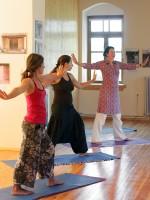 Yoga lessen door Rita aan de gasten van Porfyron Hotel in Ano Pedina