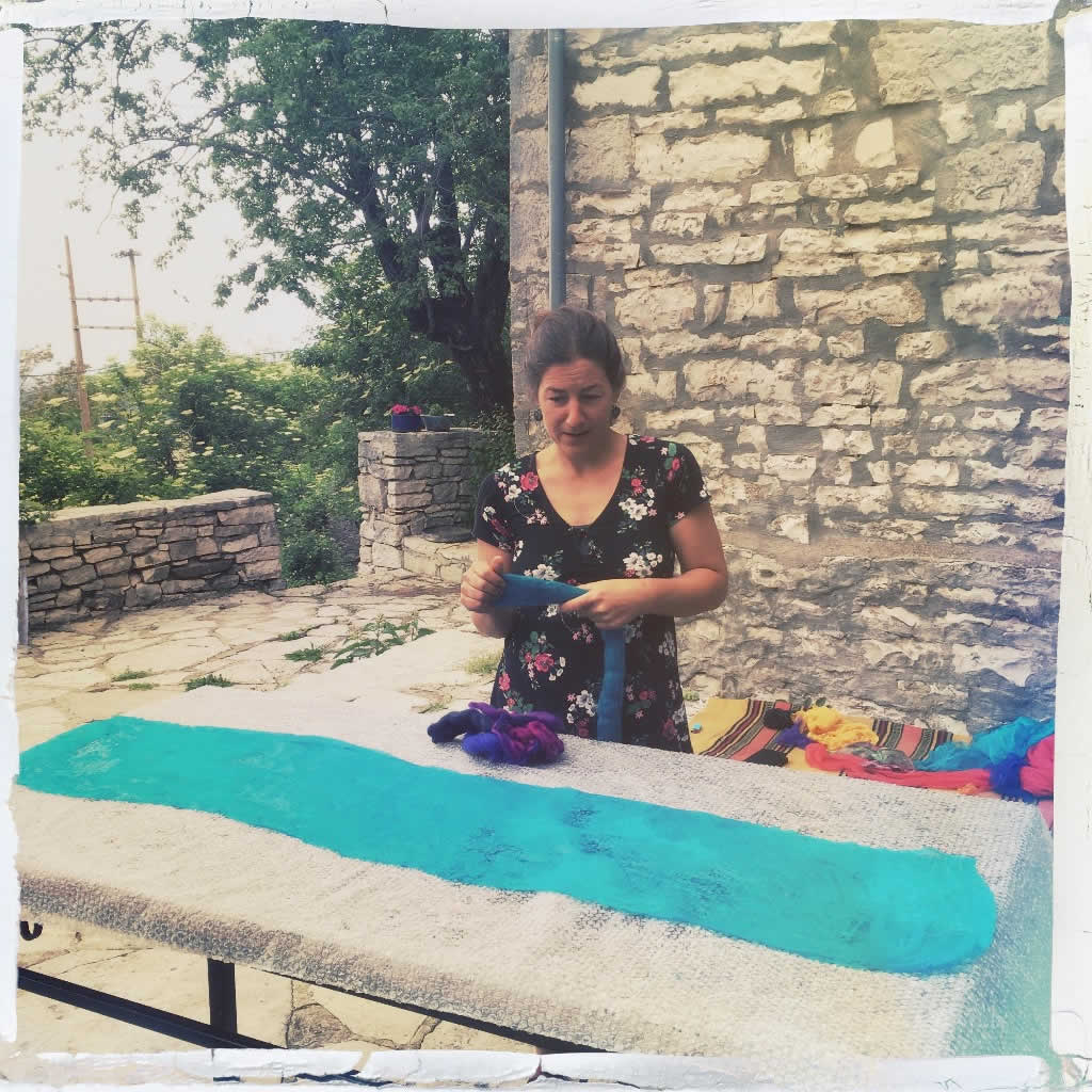 Nogmaals aandacht voor de vilt workshop bij Lena (Elafotopos, Zagori)